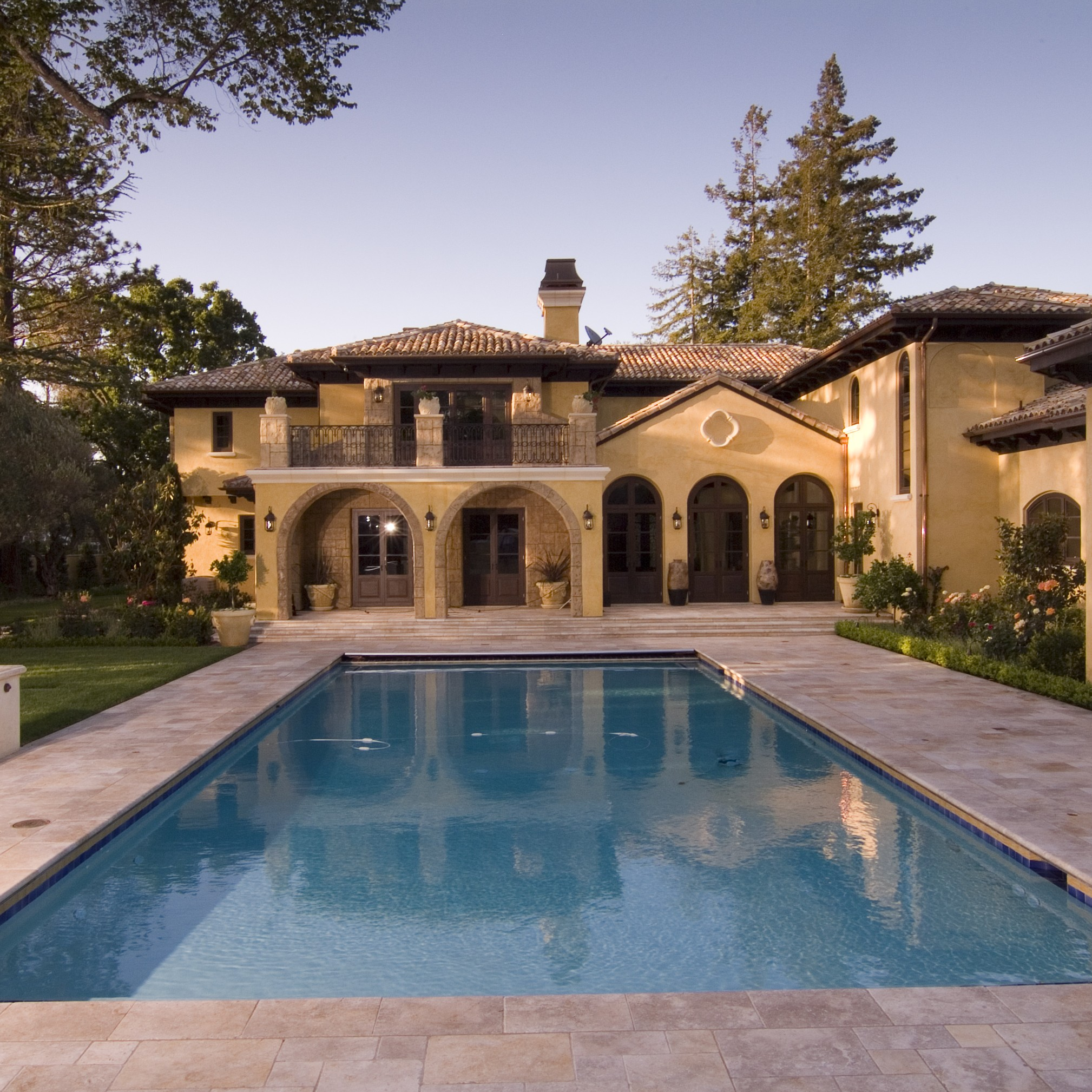 House projects mediterranean style